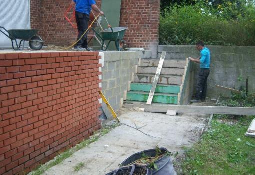 Réalisation d'un escalier extérieur en béton
